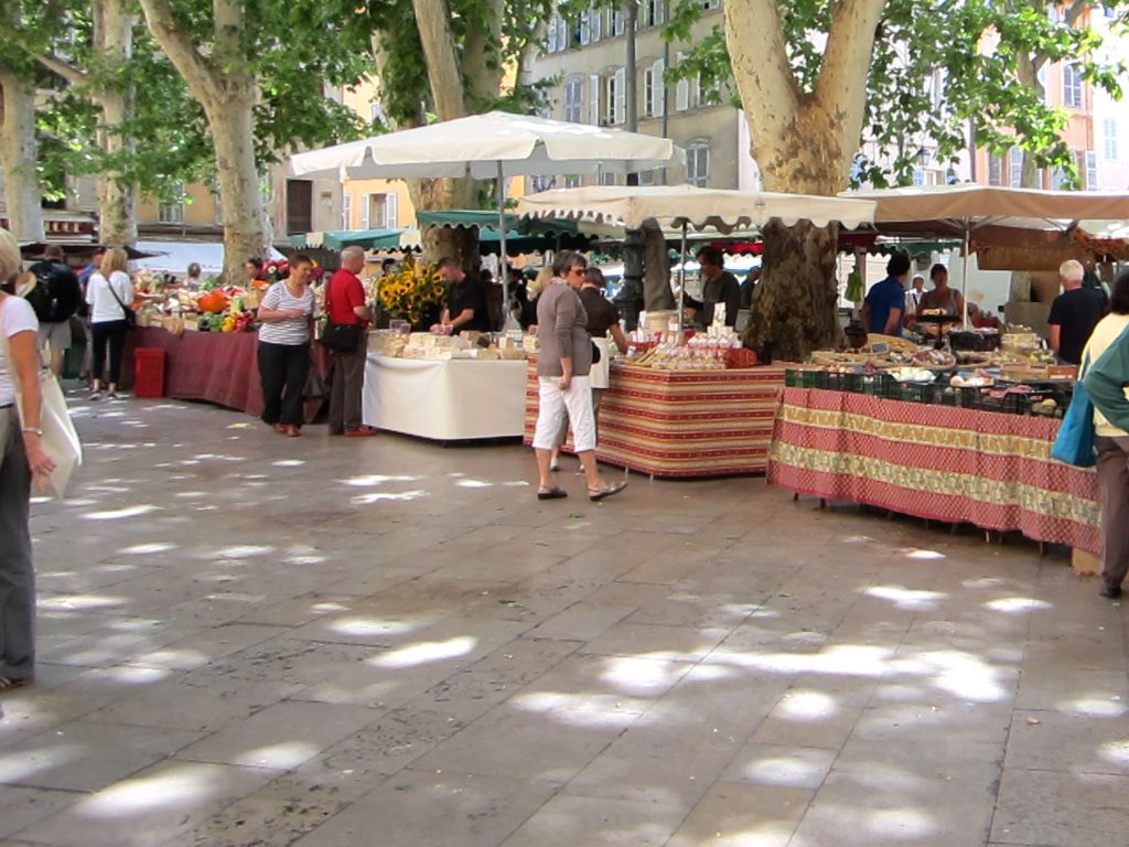2013-Jun 24-Fam Cruz-Aix-Market 21