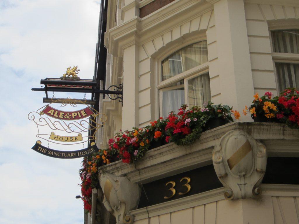 2015 Jun 24 London 1 LJT 19